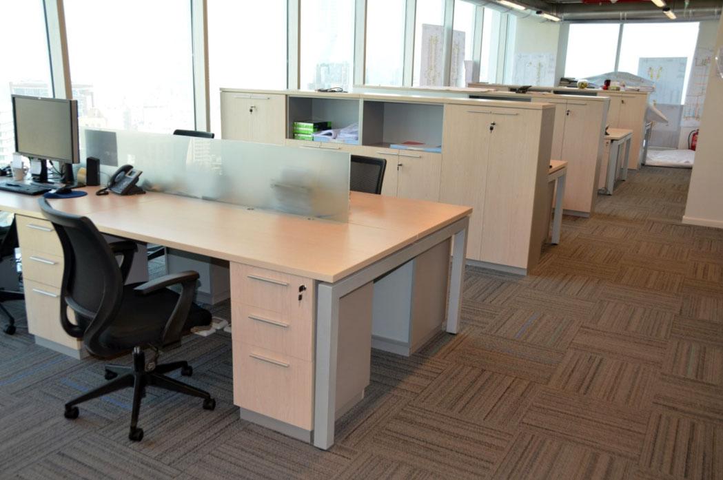 Equipamiento de oficinas para ejecutivos baus asociados for 8 6 mobiliario de oficina