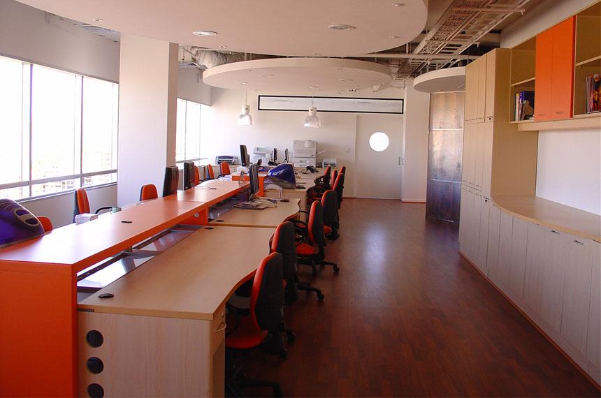 pool-de-trabajo-oficinas-03